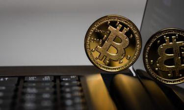 【ビットコイン】現物で積み増ししているビットコインは10万円ほどマイナス(泣)【Bitcoin】